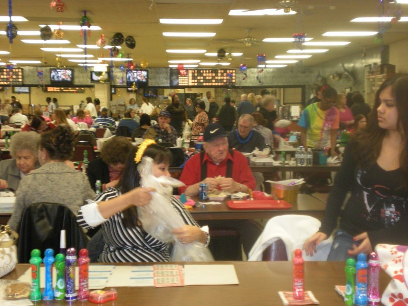 lots of bingo players